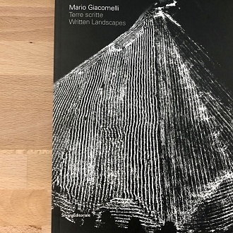 B come Book- Terre scritte di Mario Giacomelli